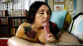 Petite BBW Stepsister on Cumshot - Brazzers porno