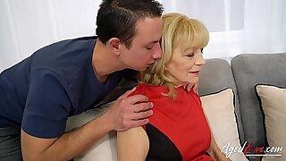 Horny coach seduces hot chicks hardcore sex - Brazzers porno