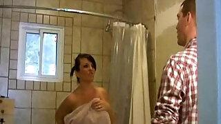 Spying on Stepmommy - Brazzers porno