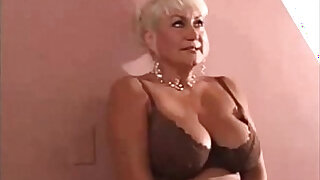 Total: 1445 -  Slutty Cougar Gets What She Needs