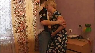 horny Mom Seduces Her Son - Brazzers porno