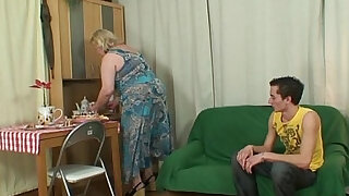 Unexpected turn at his birthday - Brazzers porno