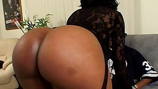 Metro Black horny busty Girl Next Door scene extract - Brazzers porno