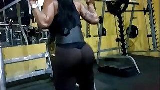 Nalgona en el Gym - Brazzers porno