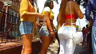 colombian girl toying pussy with great big ass colombiana nalgona con un buen culo filmada en la calle - Brazzers porno