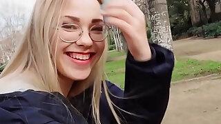 Blonde reading in the public park - Brazzers porno