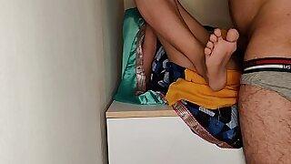 Toilet futa indiano desnuda por el culo de quatro encox - Brazzers porno