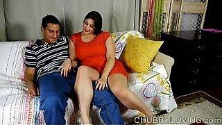 Busty BBW takes Bimbo Cumshot - Brazzers porno