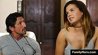 Daughter Maya likes to have fat Massages - Brazzers porno