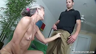 Granny dildo sucking and fucking herself - Brazzers porno