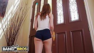 Sexy teen petite babe rough cock fuck - Brazzers porno